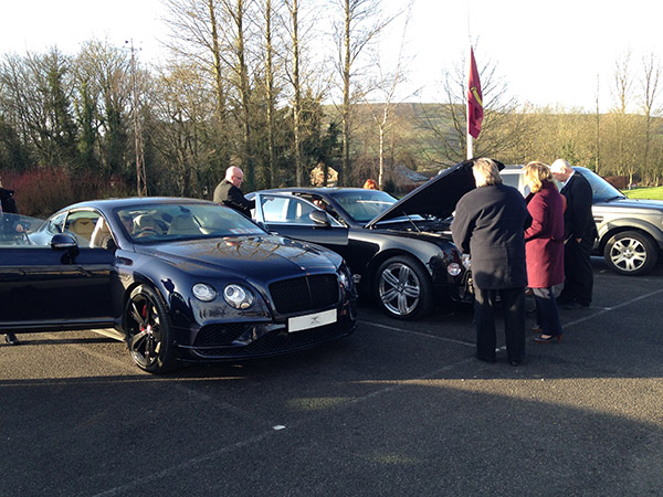 bentleys-in-the-carpark-of-chapel-golf-club-feb-2016